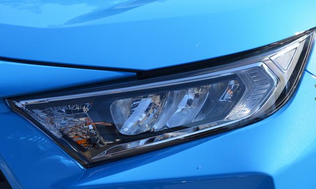 RAV4ガソリン車3灯式LEDヘッドライト